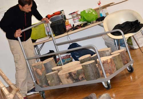 MGML - Postavljanje izložbe 'KOLO, 5200 let' - Prostorija postava za djecu - Samo Hvalec. Foto: VJB.