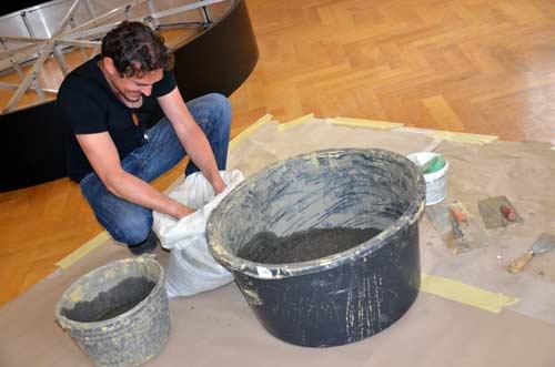 MGML - Postavljanje izložbe 'KOLO, 5200 let' - Prostorija postava za djecu - Rok Klasinc. Foto: VJB.