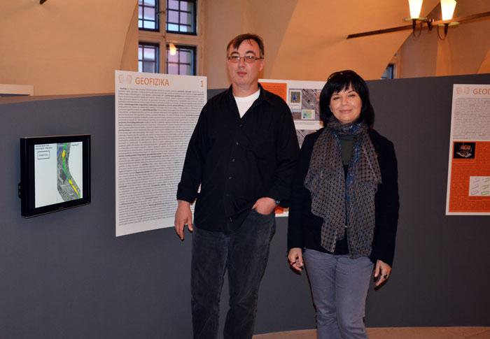 MGZ - Aleksandra Bugar i Boris Mašić u prostoru izložbe 'U službi arheologije'. Foto: VJB.