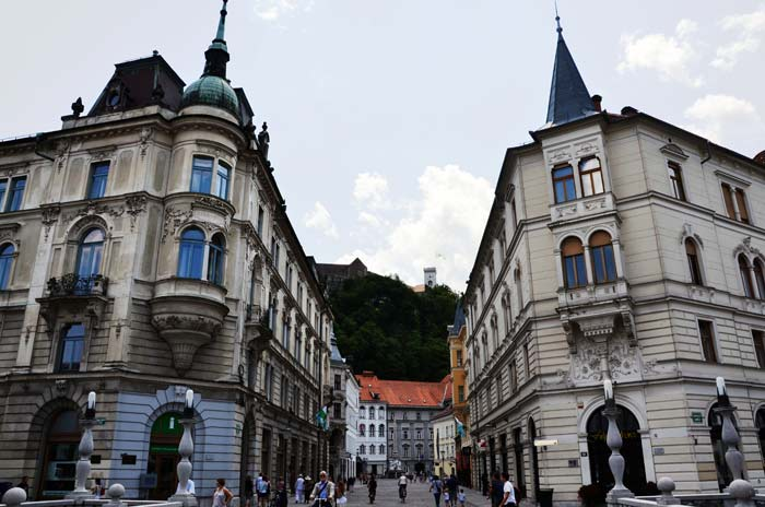 Putovanja - LJUBLJANA: Tak blizu. Tak drugače. (Prvi dio) [Ada Jukić]. Pogled na Ljubljanski grad. Foto: VJB.